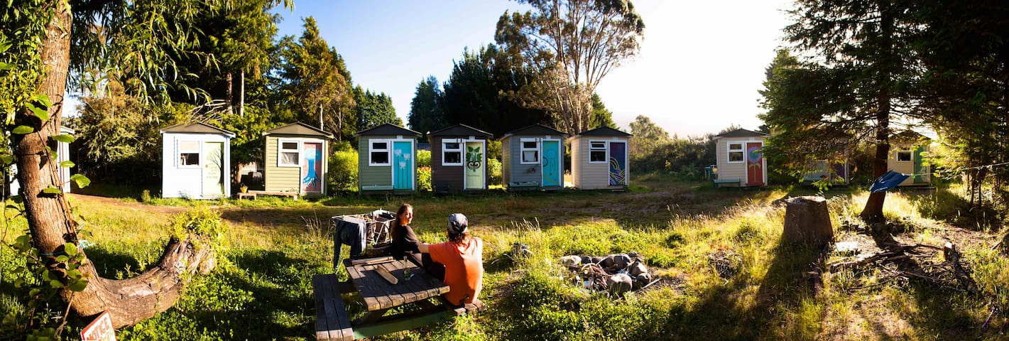 Cozy & Private Mini Hut on a farm ! - Turangi - 小屋