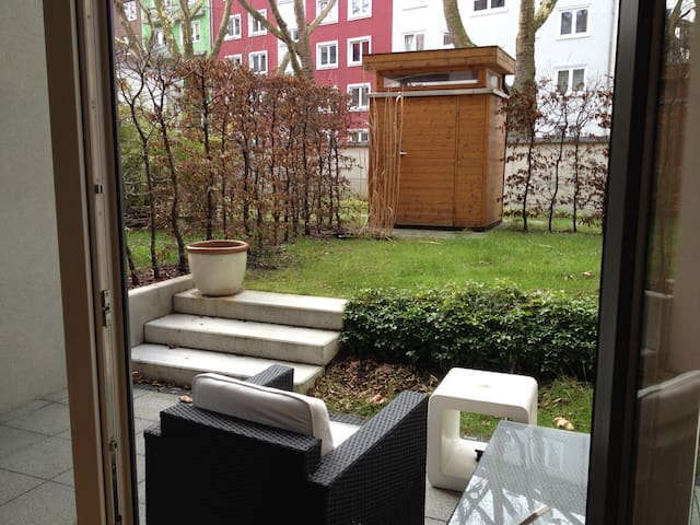 luxury maisonette apartment apartments for rent in dusseldorf north rhine westphalia germany. Black Bedroom Furniture Sets. Home Design Ideas