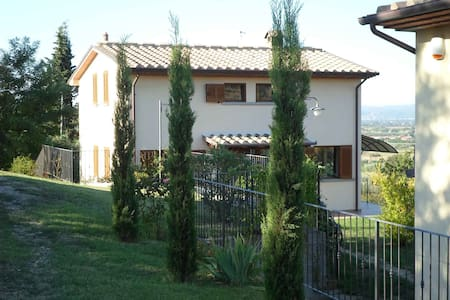 Single House in panoramic location - Arezzo