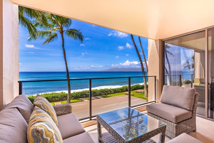 Beautiful Renovated Mahana Condo214 1Bed/1Bath Direct Oceanfront in Kaanapali