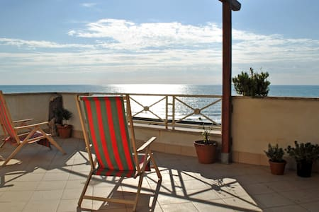 Penthouse on the sea of Rome - Torvaianica - Daire
