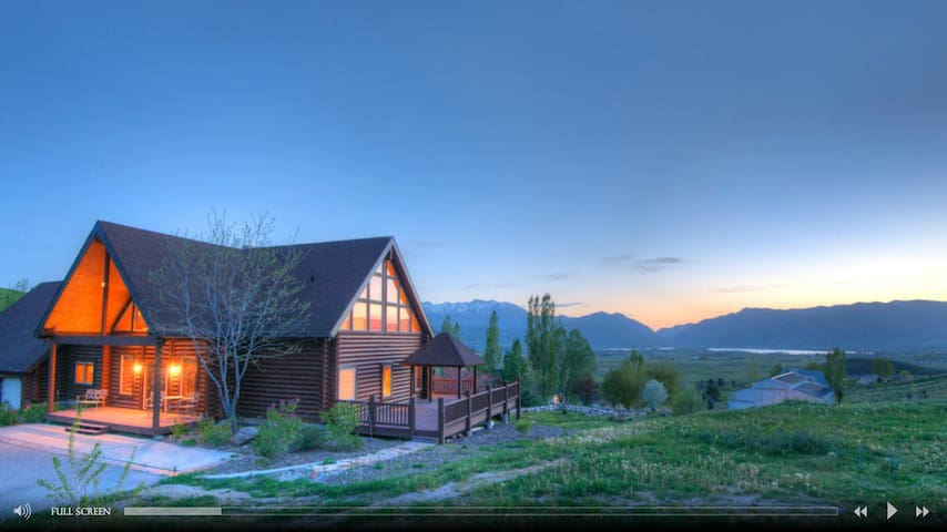 Luxurious Utah Lodge, Near Skiing
