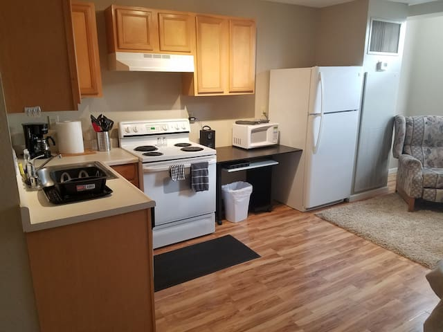 Downtown Condo Charm Discounted monthly Rates!!!