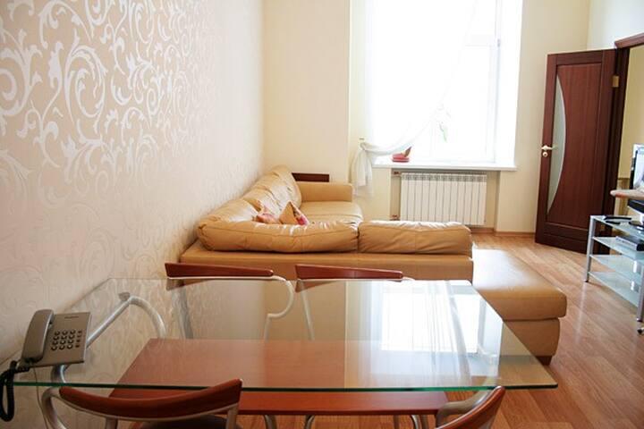 2room with Jakuzzi 3min Kreshchatik - Kiev - Appartement