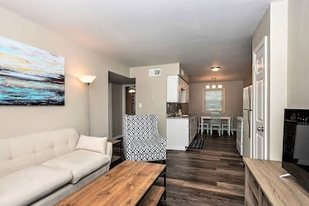 Beach Cottage Sand Suite (Monthly Rentals Available)