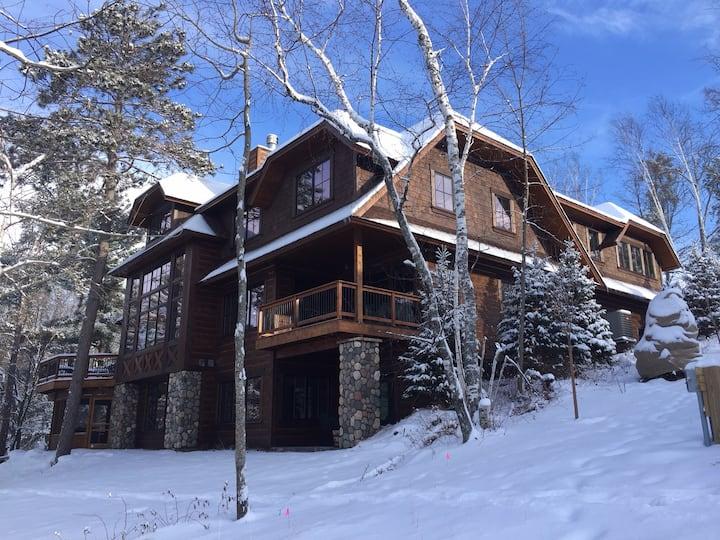 Minnesota Lodge House / Roy Lake / Nisswa / 16 pp