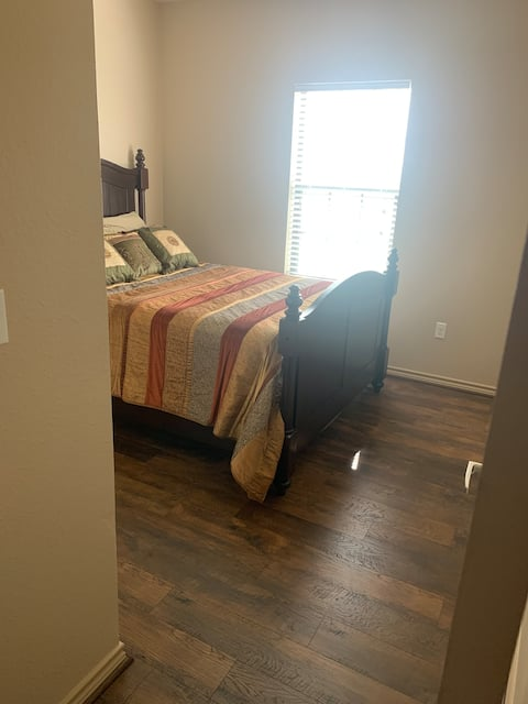 Cozy Apartment in Enid with Beautiful Sunset Views