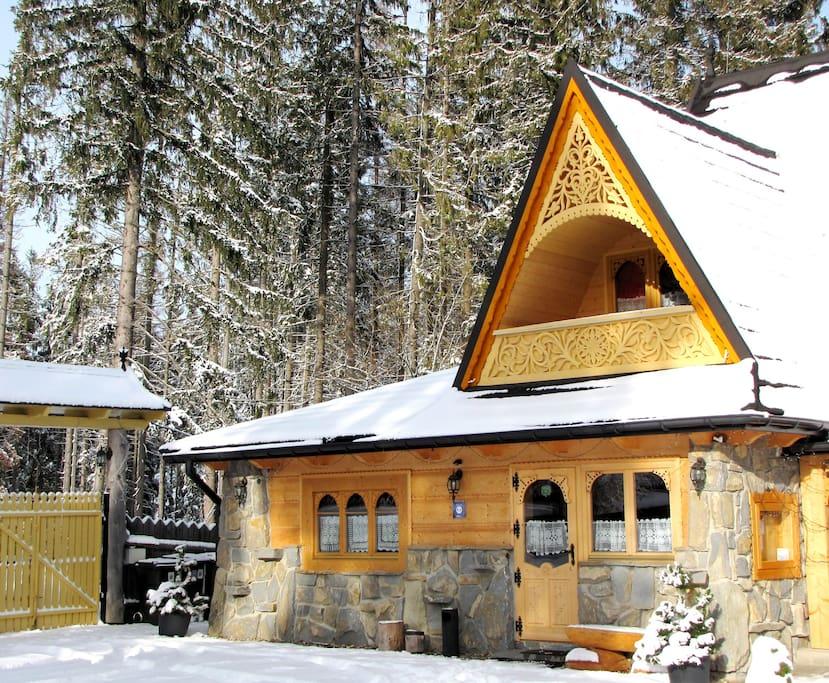 Bajkowa Chata - Domek Nr 2 dla 4 - 9 osób z widokiem na Tatry .