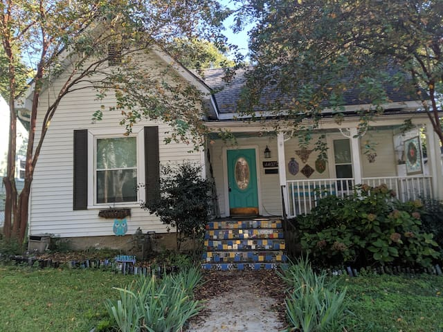 Artsy Avondale Home-5 min drive to Sloss/Downtown