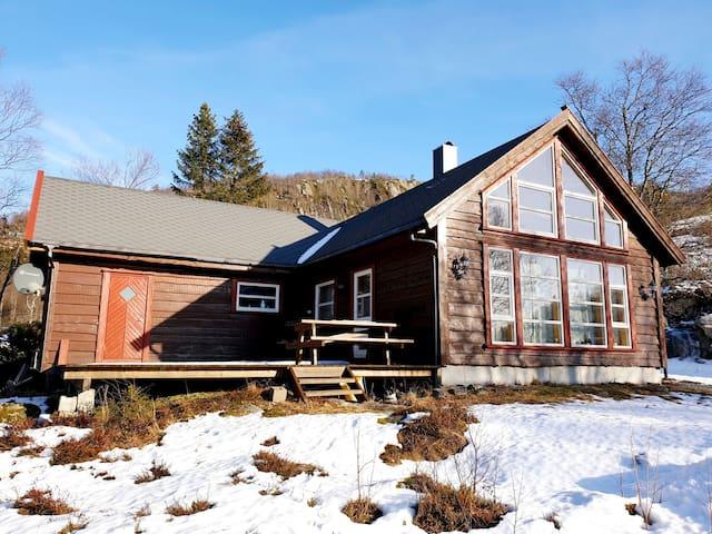 Trivelig hytte på Ljosland