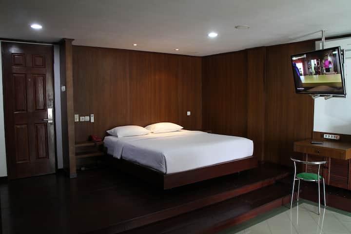 Comfortable Studio Room in Kuta (208)