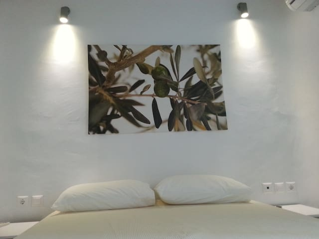 VILLA FOR 8 GUESTS (4 BEDROOMS)  - Mykonos - House