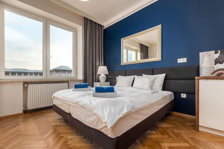 Apartment Smolna 4 by Your Freedom