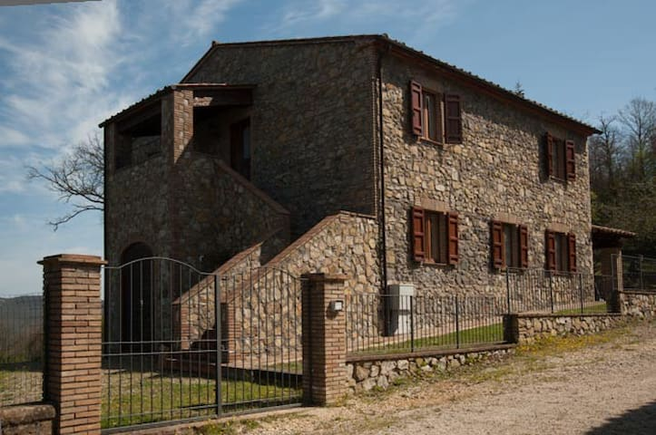 relax in the farm house - Torre Alfina - Appartement