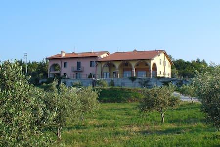 Casa campagna, panorama su Verona - Verona