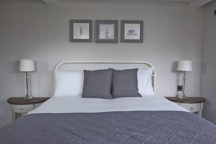 Snug Room + Breakfast, Ctrl Winchester - Winchester - Bed & Breakfast