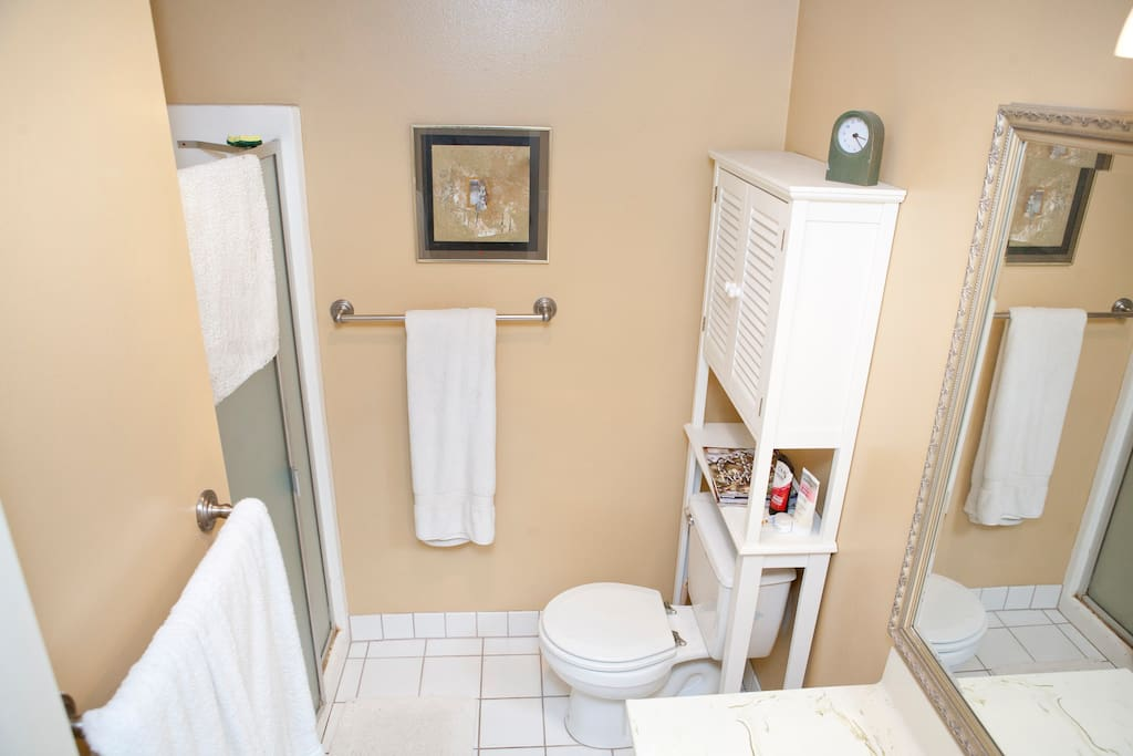 Bathroom - second view