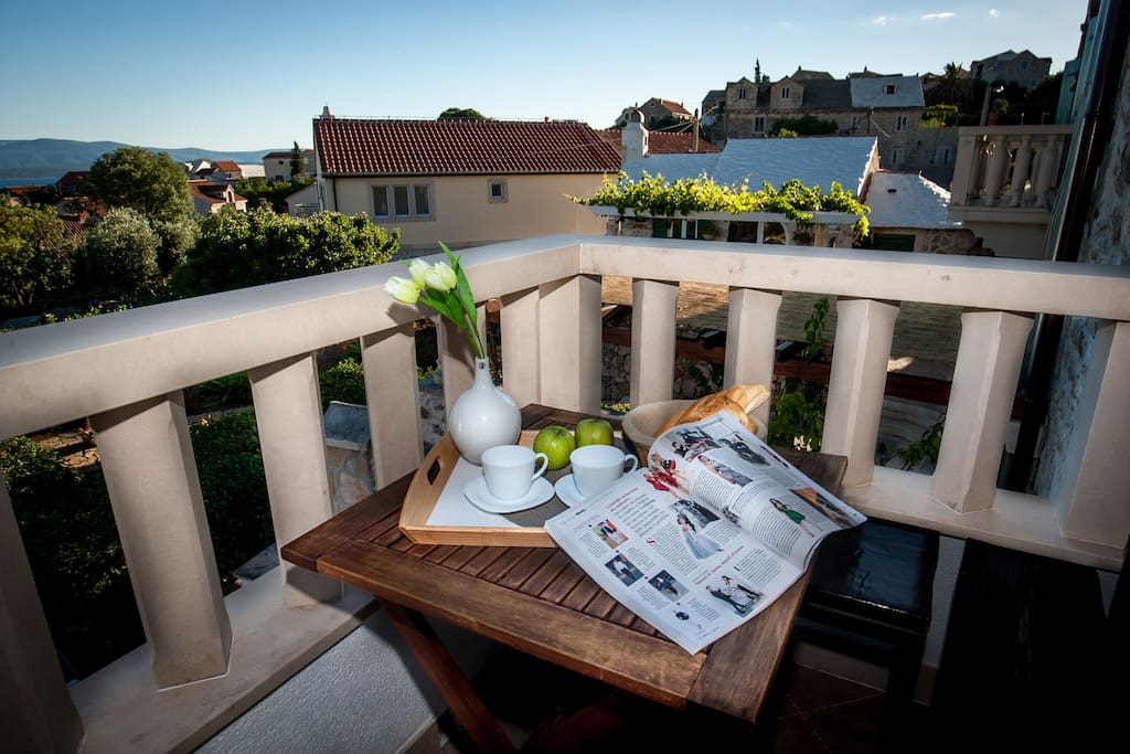 relax on the terrace with city view and sea view