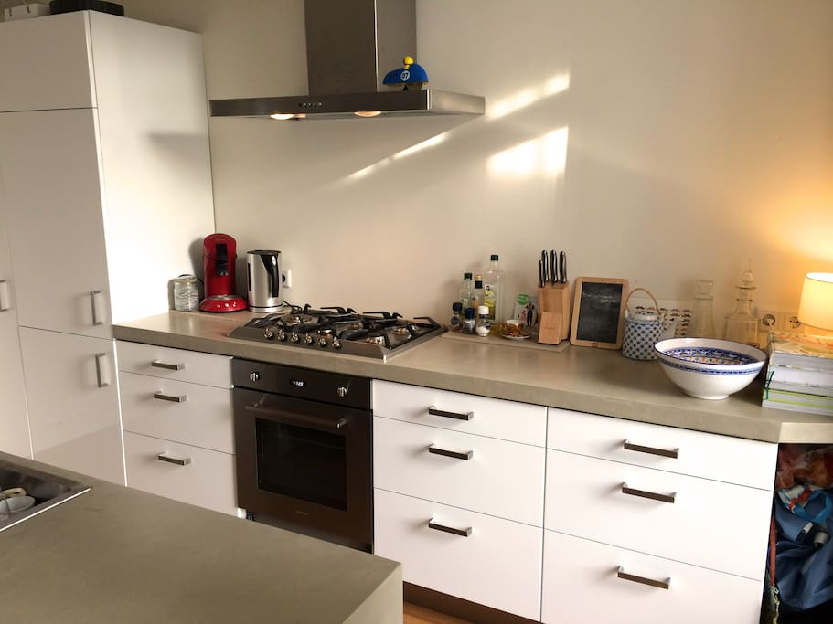 Open kitchen, cooking side & wash counter