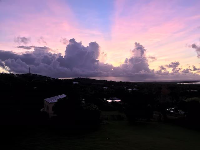 Buena Vida Casita / Bioluminescent Bay Views