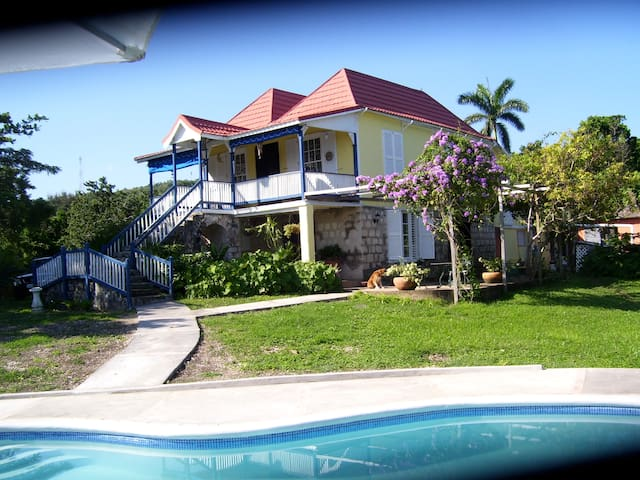 Traditional Secluded Seaview Hilltop Plantation - St. Ann's Ba