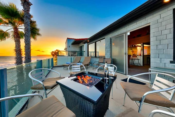 Beachfront + Amazing Value w/ Deck + Beautiful Sunset Views