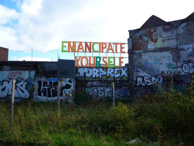 Emancipate yourself @ George Bernard Shaw Pub