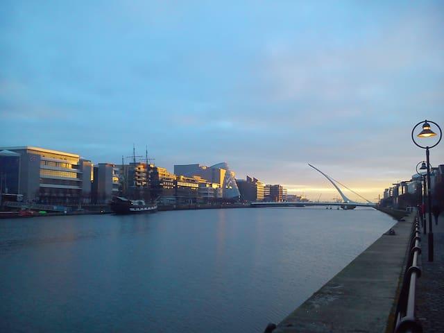 dawn on the Liffey.