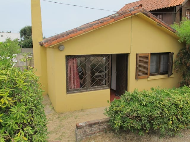 Casa en Costa Azul, Rocha, a 100 mts. del Mar. - Costa Azul