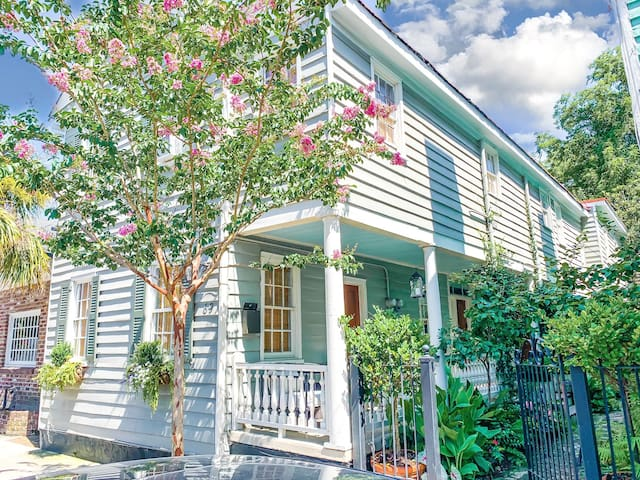 ★ The Inns at 69 Spring - Beautiful 2 BR / 1 BA ★