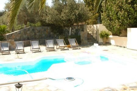 METOXI Villa - Anavyssos - Villa