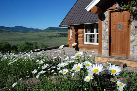 The mountain cabin of your dreams! - San Miguel