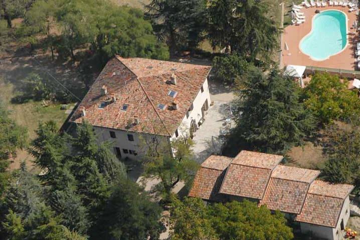 Le Burgne casale in Umbria - Città di Castello - Huvila