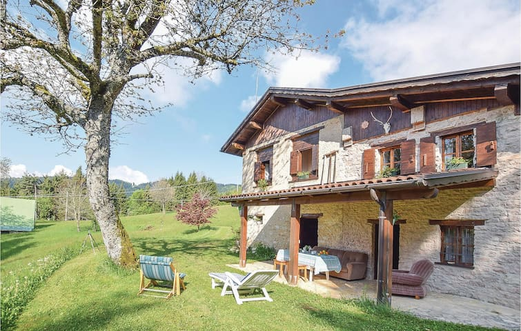 Holiday cottage with 3 bedrooms on 110m² in Lamon - BL