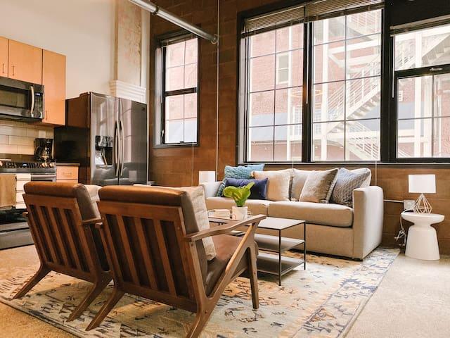 Cozy Downtown Loft