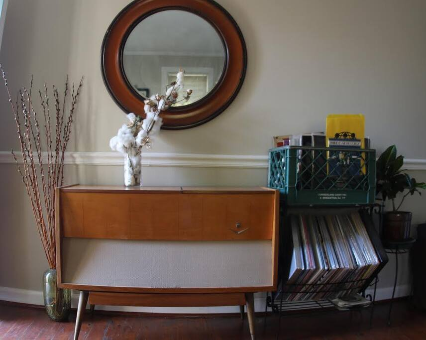 Mid Century Modern working record player.