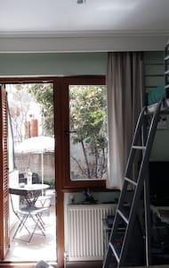 Quiet cozy studio in the Old Town - Apartment