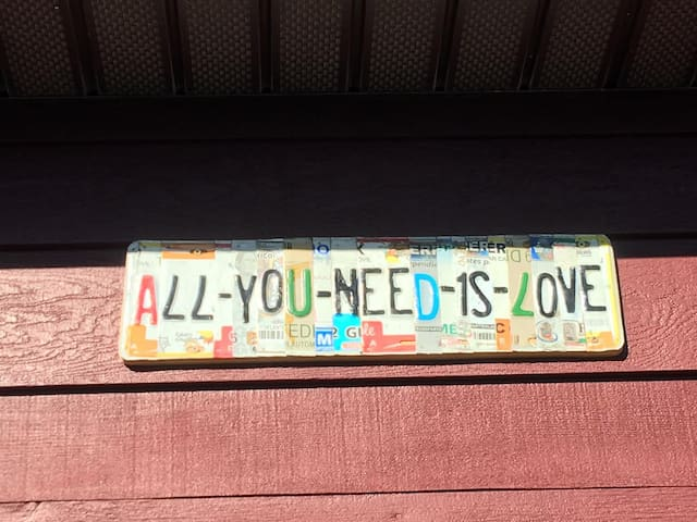 """All You Need Is Love"" in the heart of Leelanau - Maple City - Apartment"