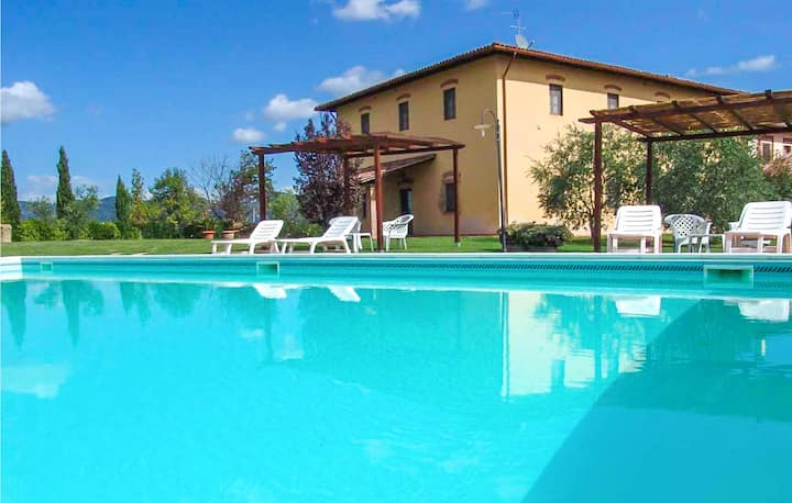 Holiday apartment with 2 bedrooms on 70m² in Vinci