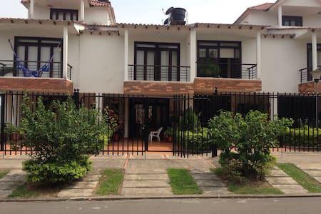 Acogedora casa en Villavicencio - Вильявисенсио