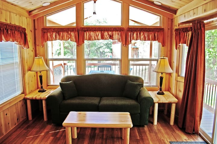 Yosemite Pines Resort Premium Cabin