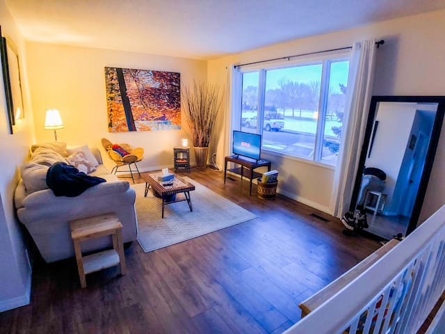 2 BR top floor suite- walk to West Edmonton Mall