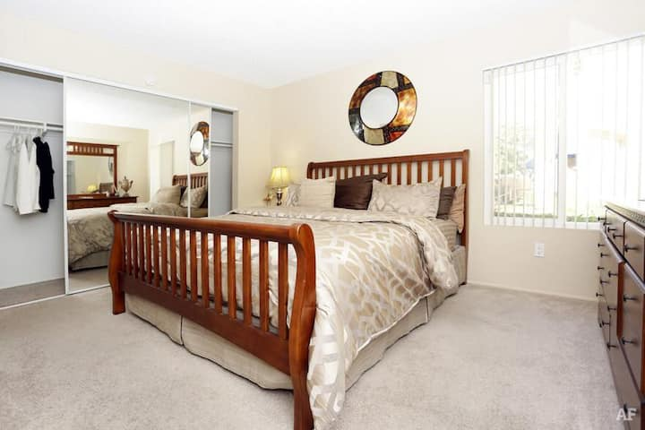 Private Master Bedroom close to everything