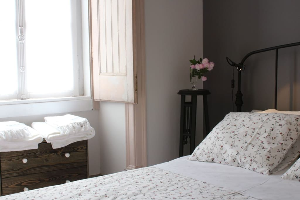 Casa dos tios quarto dos tios chambres d 39 h tes for Chambre d hote portugal