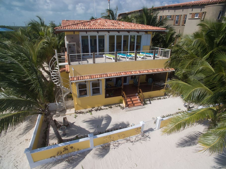 Casa De Bonita Layout on the private upper deck and enjoy the caress of  the warm Caribbean sun