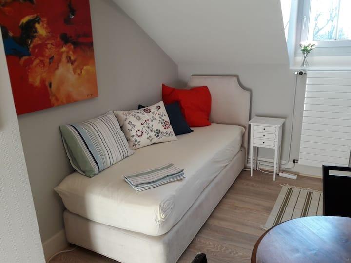 "Studio ""Forêt"". Independent room with kitchenette"