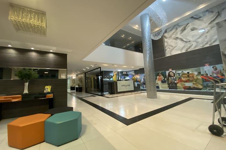 Maringá Hotel Avalon - Casal