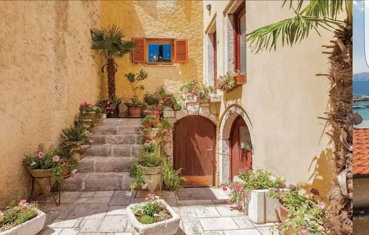 Entire Home just for you :) - Novi Vinodolski - Casa