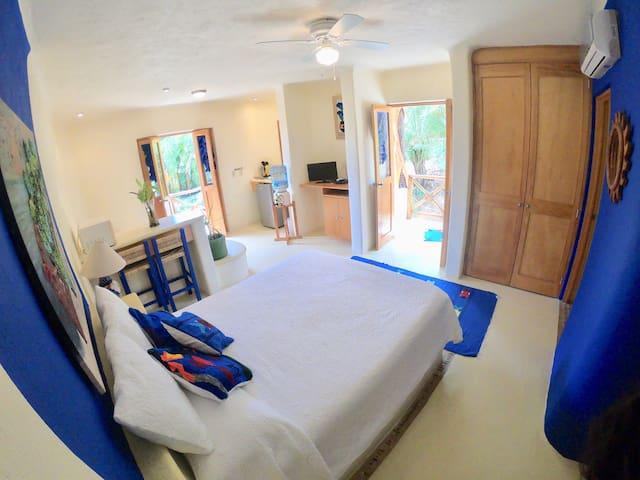 Full view - studio apartment