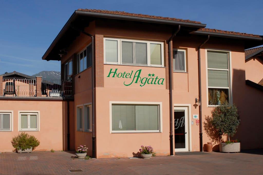 Entrata dell'hotel - Hotel Entrance